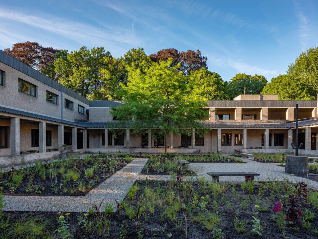 Doornburgh priorij tuin